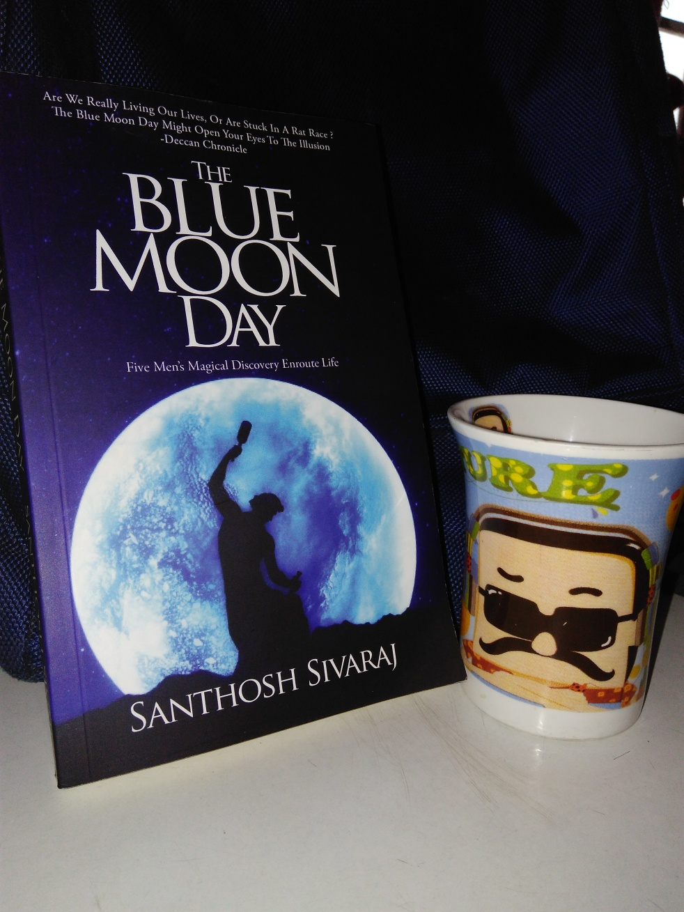 The Blue Moon Day, Bookish Fame, Books, Bookaholic, Book Review, All About Fame, khyati gautam